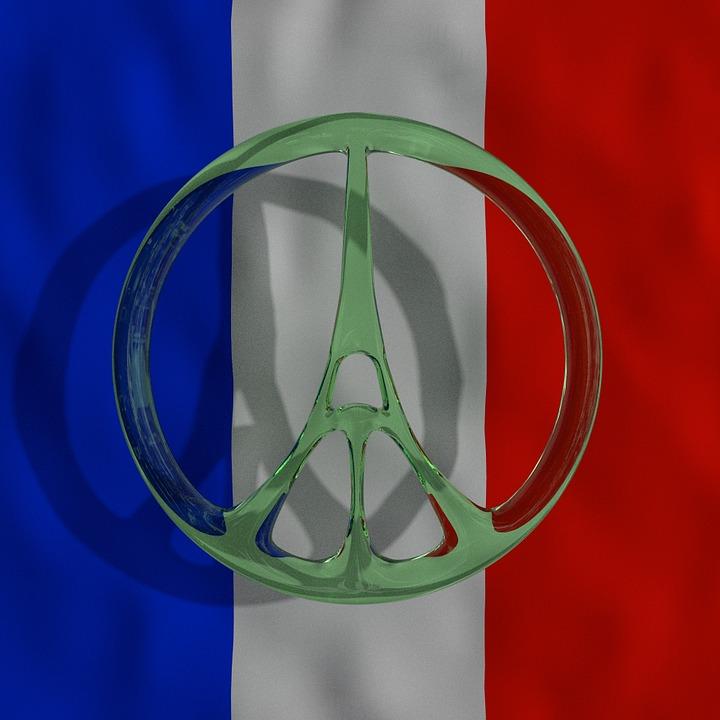 drapeau et tour eiffel
