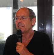 Bernard Stiegler au micro